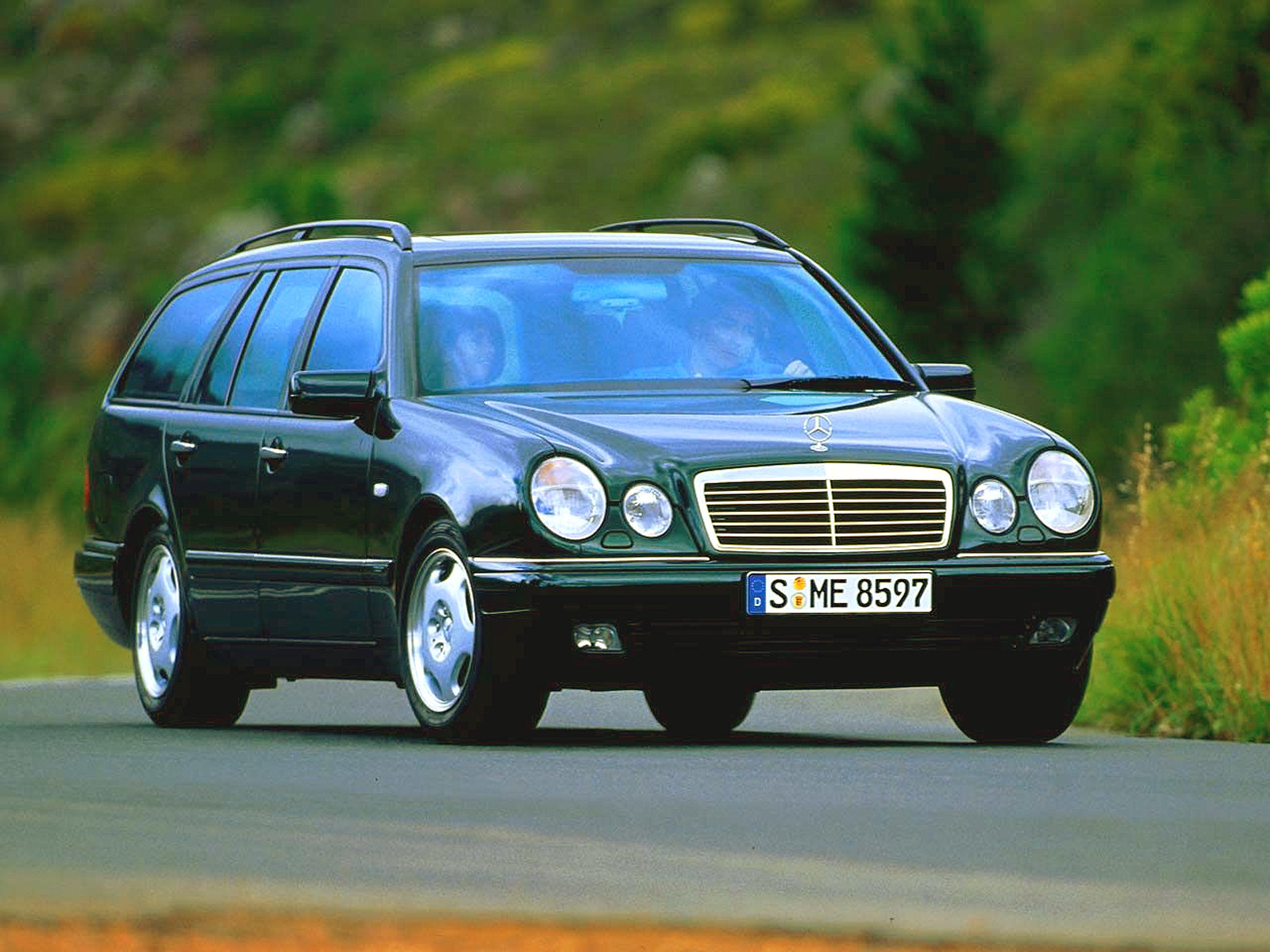 Обзор Mercedes E-Class 1995 — 2002 года