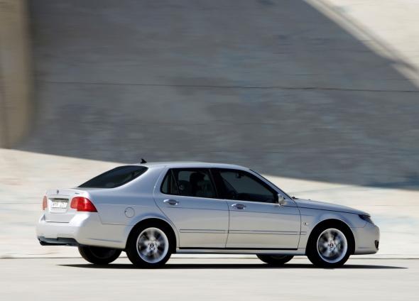 Обзор Saab 9-5 2001 — 2005 года