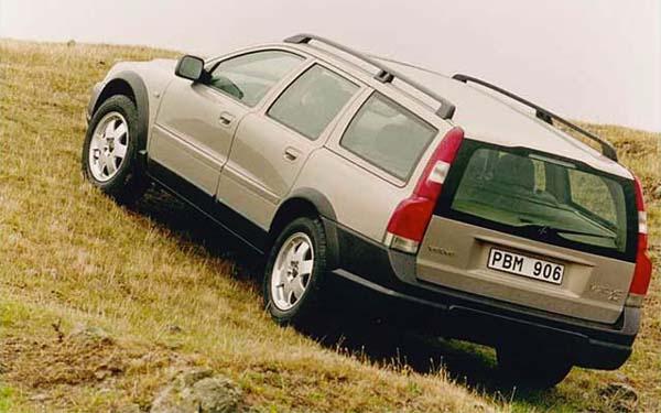 Обзор Volvo Cross Country 2000 — 2007 года