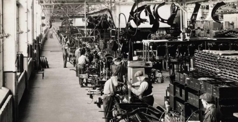История компании Рolestar