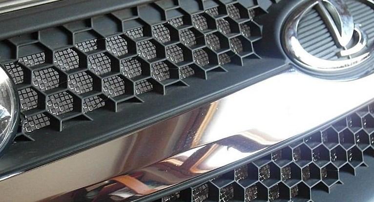 Защитная накладка на решетку радиатора авто