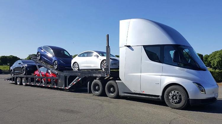 Дефицит батарей: Илон Маск выразил сомнения, что производство грузовиков Tesla Semi начнётся в этом году