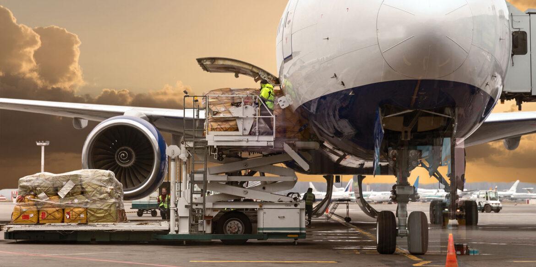 Почему стоит выбирать грузовые авиаперевозки
